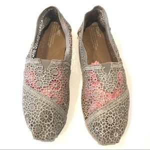 Toms Moroccan Crochet Silver/Gray Slip On Shoe 8.5